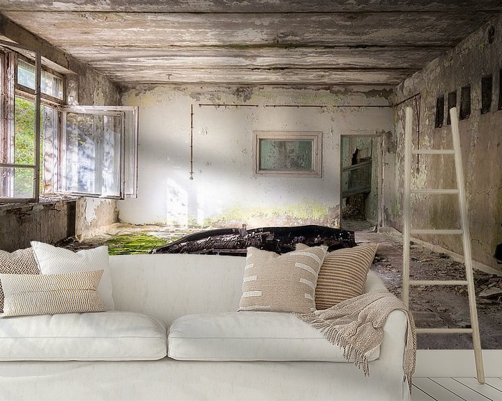 Sfeerimpressie behang: Verlaten Piano. van Roman Robroek