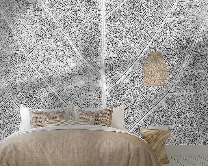 Sfeerimpressie behang: Herfstblad in detail van Carol Thoelen