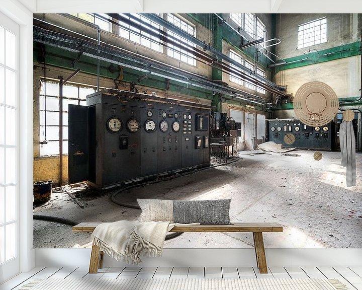 Sfeerimpressie behang: Verlaten Fabriek. van Roman Robroek