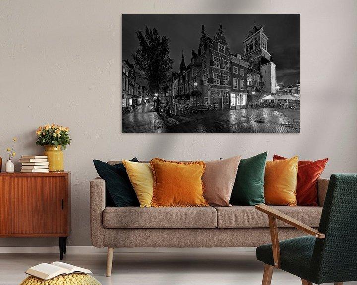 Sfeerimpressie: De Kaerskorf te Delft zwart / wit van Anton de Zeeuw