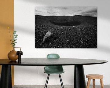 Zwart-wit foto van de Hverfjall krater bij Myvatn, IJsland van Martijn Smeets