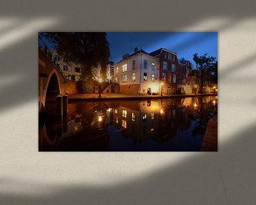 Oudegracht ter hoogte van Vollersbrug in Utrecht van Donker Utrecht