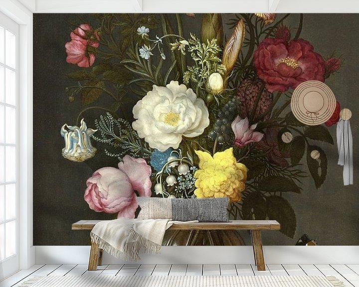 Sfeerimpressie behang: Ambrosius Bosschaert de Oude. Bloemen in een glazen vaas