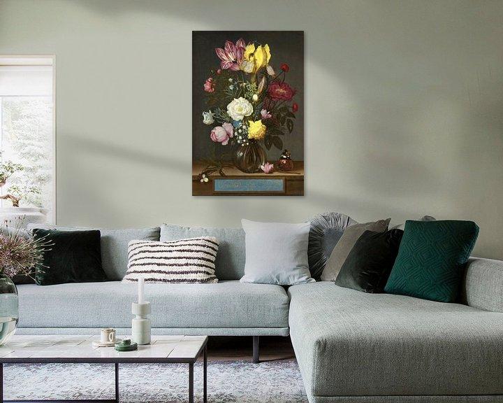 Sfeerimpressie: Ambrosius Bosschaert de Oude. Bloemen in een glazen vaas