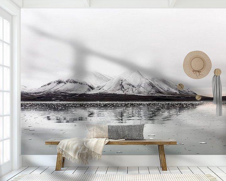 Sfeerimpressie behang: Spitsbergen-3 van Claudia van Zanten
