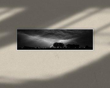 Lightning by night  van kenneth anno