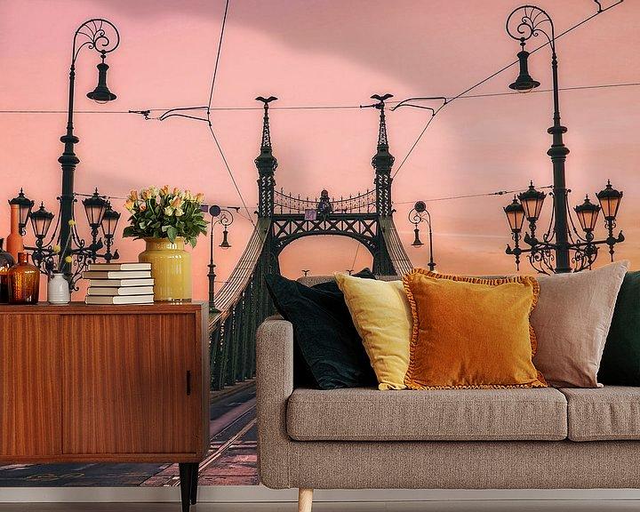 Sfeerimpressie behang: Vrijheidsbrug bij zonsopgang van Joris Pannemans - Loris Photography