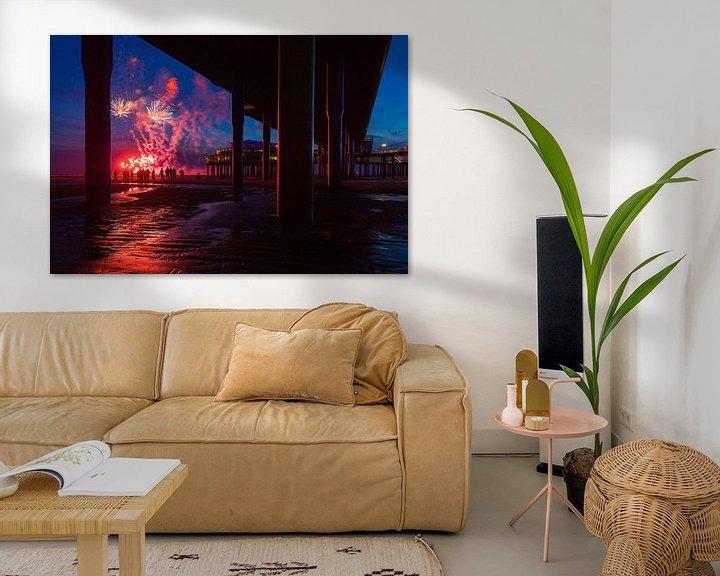 Sfeerimpressie: Vuurwerk op de zee bij Scheveningen Pier  van Dexter Reijsmeijer