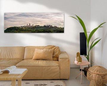 San Gimignano - Toscane - skyline panorama van Teun Ruijters