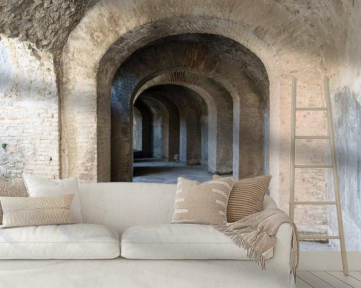 Sfeerimpressie behang: Catacomben van het Amfitheather in Pompeii van Jaco Verheul