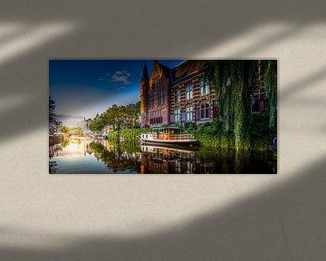 Zonsondergang bij het 'Hoge der A' in Groningen van Jacco van der Zwan