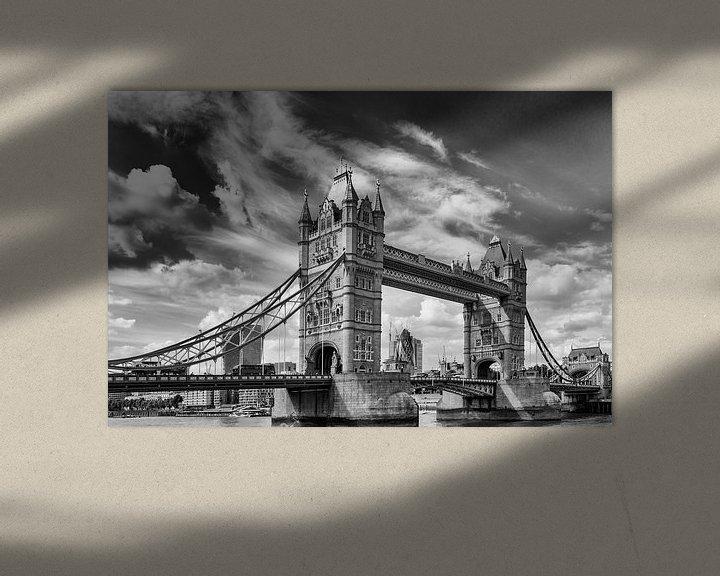 Sfeerimpressie: Tower bridge, London van Maerten Prins