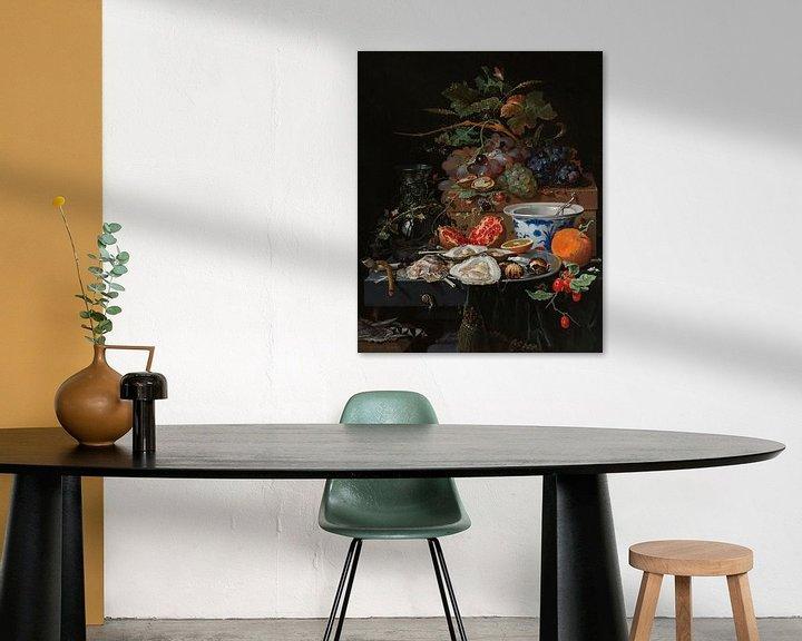 Sfeerimpressie: Stilleven met fruit, oesters en porselein, Abraham Mignon