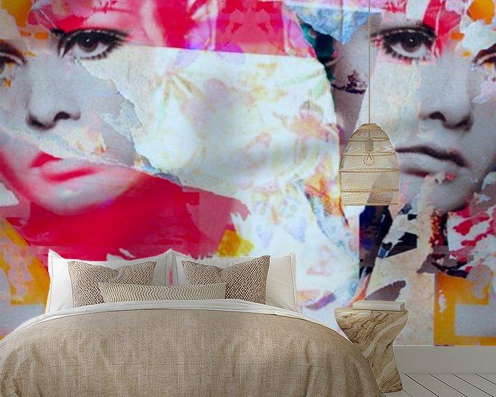 Sfeerimpressie behang: Miss Twiggy  - Collage - Butterfly van Felix von Altersheim