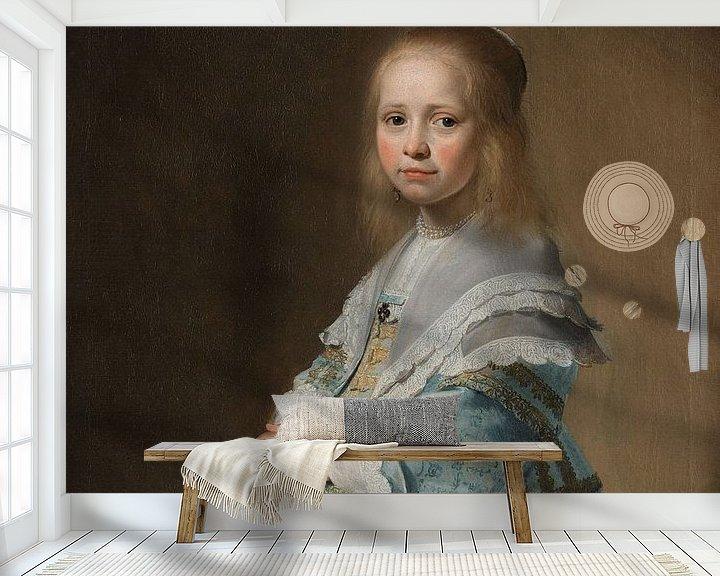 Sfeerimpressie behang: Portret van een meisje in het blauw, Johannes Cornelisz. Verspronck