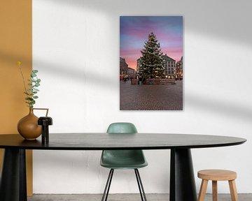 Kerstmis op de Dam in Amsterdam bij zonsondergang von Nisangha Masselink