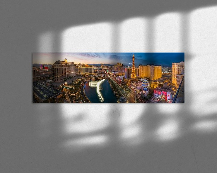 Sfeerimpressie: Las Vegas Skyline Panorama - 2 van Edwin Mooijaart
