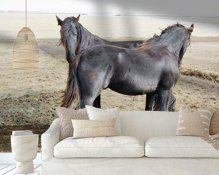 Sfeerimpressie behang:  27. Buitendijks gebied, Noarderleech, Friese paarden. van Alies werk