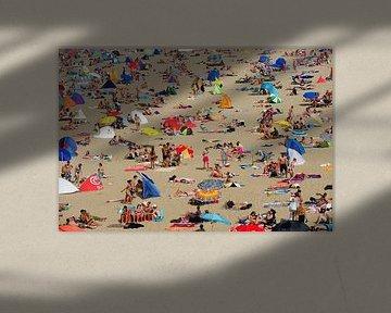 Overvol strand van Scheveningen von Merijn van der Vliet