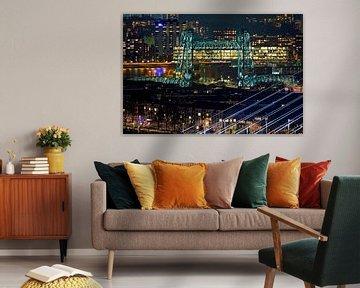 Nachtfoto van De Hef in Rotterdam vanaf hoog punt gezien