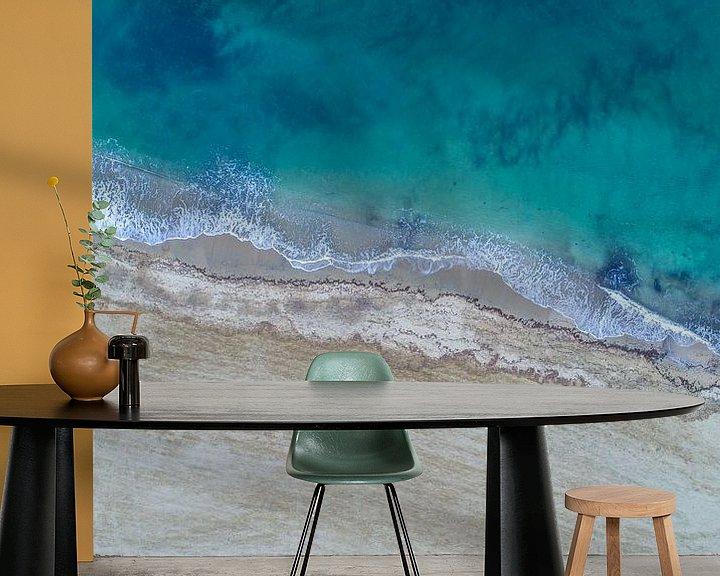 Sfeerimpressie behang: Strand uit de lucht, Côte d'Azur, Frankrijk van Patrick van Oostrom