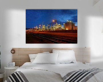 Olieraffinaderij in het havengebied van Rotterdam von Merijn van der Vliet