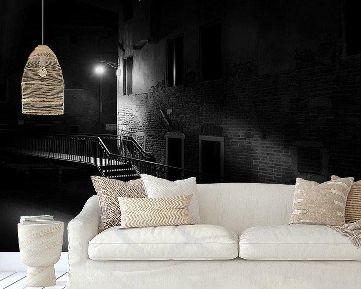 Sfeerimpressie behang: Venetie bij nacht van Gerard Wielenga