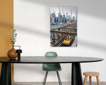 Gele taxi op de Brooklyn bridge van Natascha Teubl