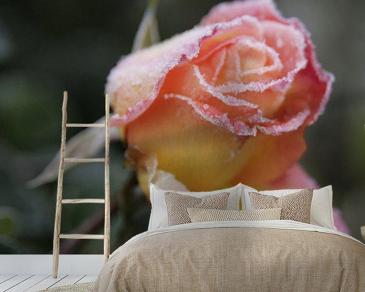 Sfeerimpressie behang: De Roos van Betty Heideman