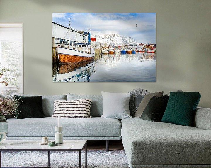 Sfeerimpressie: Vissersboten in de haven van Henningsvær Lofoten van Sjoerd van der Wal