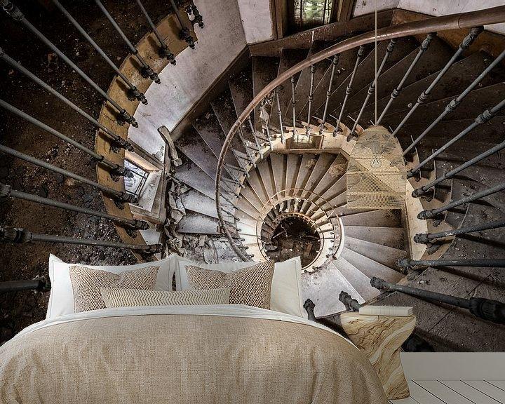 Beispiel fototapete: Treppenspirale von oben gesehen von Inge van den Brande