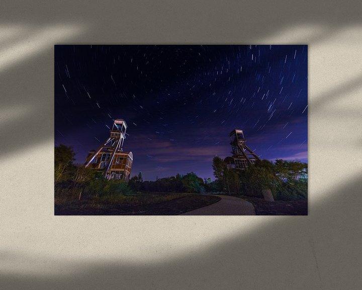Sfeerimpressie: Mijntorens Steenkoolmijn van Eisden met star trails van byFeelingz