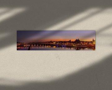 Maastricht Maaspanorama skyline met st. servaasbrug van byFeelingz
