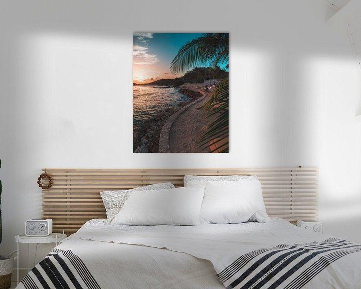 Sfeerimpressie: Gecurvde strand op Curaçao van Wahid Fayumzadah