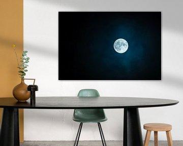 Volle Maan in de Duisternis van Digital Universe