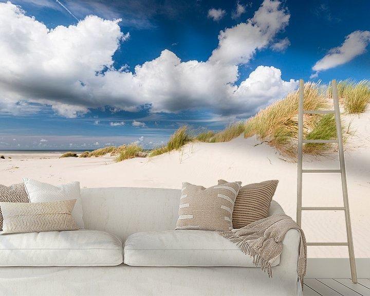Sfeerimpressie behang: Voetstappen in het zand van Fotografie Egmond