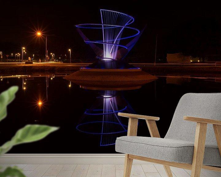 Sfeerimpressie behang: Verlichte fontein in Veendam van Arline Photography