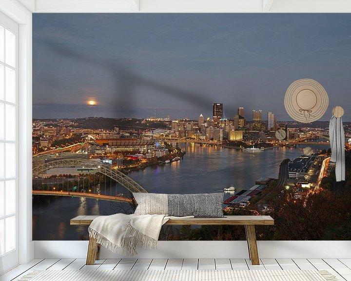 Sfeerimpressie behang: Pittsburgh - full moon rising van Sander Knopper