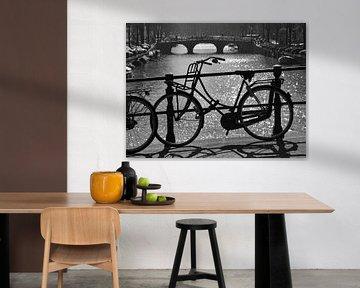 Fahrrad auf der Brücke von Barbara Brolsma