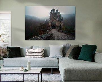 Mistige ochtend bij Burg Eltz in Duitsland von Edwin Mooijaart
