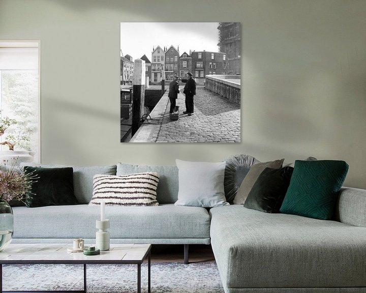 Sfeerimpressie: Mannen in haven achter De Grote Kerk Dordrecht van Dordrecht van Vroeger