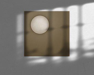 Zon tegen een bruine achtergrond sur Art by Jeronimo