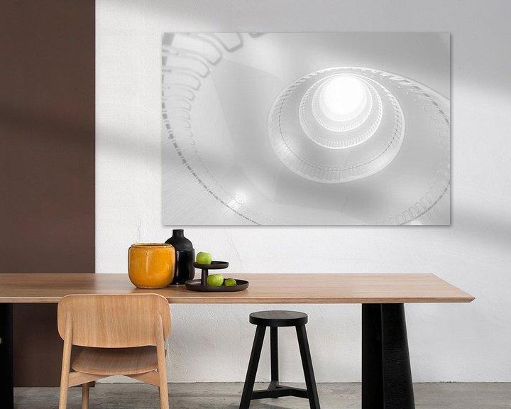 Sfeerimpressie: Witte wenteltrap van Maerten Prins
