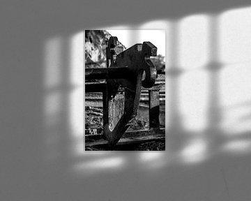 Detail werktuig in zwart-wit von Maike Meuter