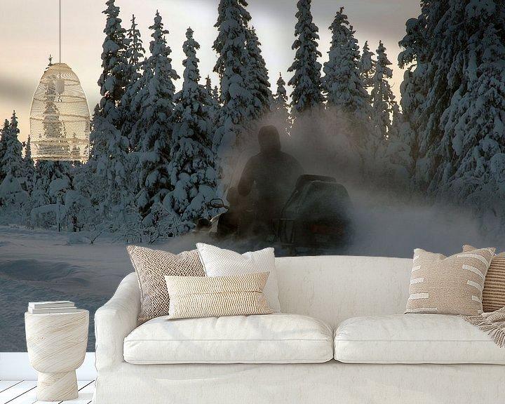 Sfeerimpressie behang: snowscooter van Barbara Koppe