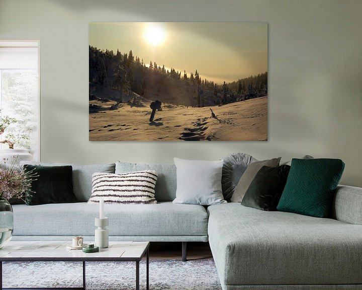 Sfeerimpressie: Zweeds winterlandschap bij zonsondergang van Barbara Koppe