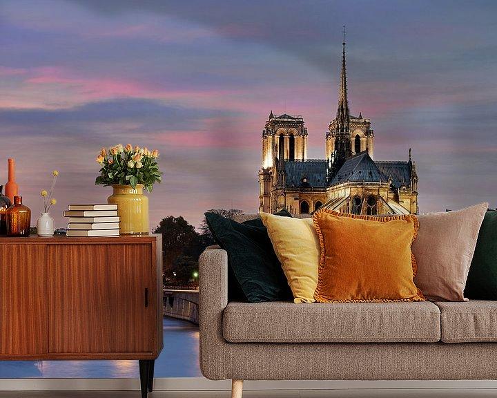 Sfeerimpressie behang: Notre Dame in Parijs van Edwin van Wijk