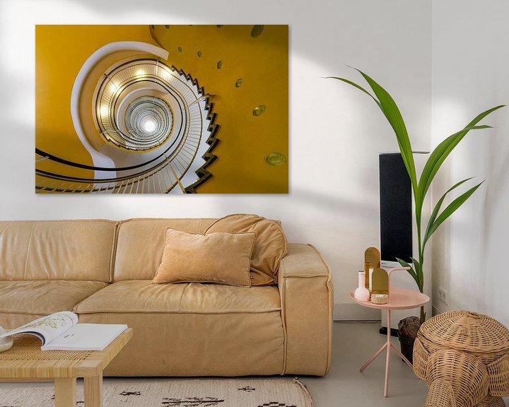 Sfeerimpressie: Gele wenteltrap van Maerten Prins