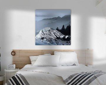 FOGGY BLUE MOUNTAINS  van Pia Schneider