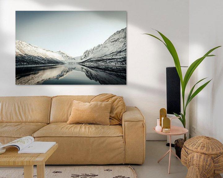 Sfeerimpressie: Gryllefjord panoramisch uitzicht tijdens een mooie winterdag van Sjoerd van der Wal